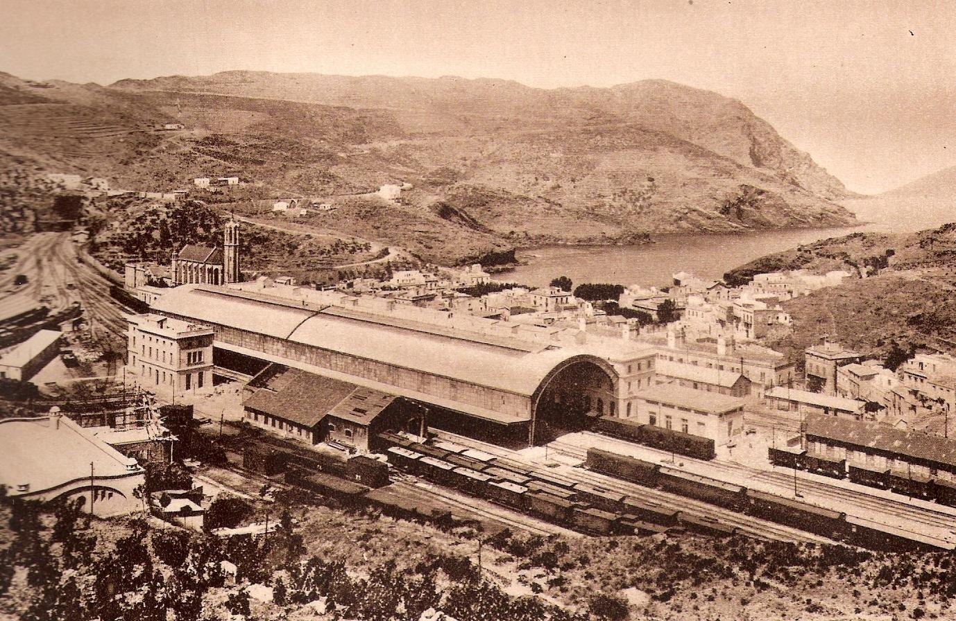 Port Bou - Estacion año 1936- foto Libro de Oro de MZA
