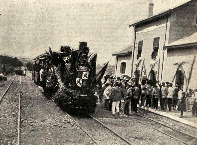 primer-tren-del-ferrocarril-de-santa-olalla-ano-1912-archivo-revista-adelante