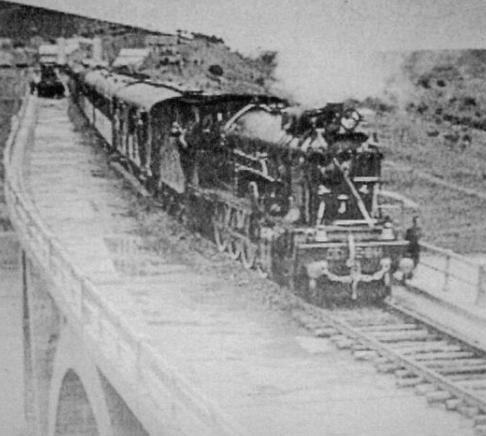 Primer tren enel Viaducto Martin Gil , archivo GVZ