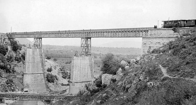 Puende de Vadollano sobre el Rio Guarrizas , año 1866, linea de Manzanares á Cordob