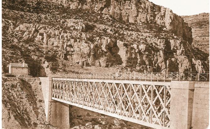 Puente de Carcalin , año 1910. autor descnocido
