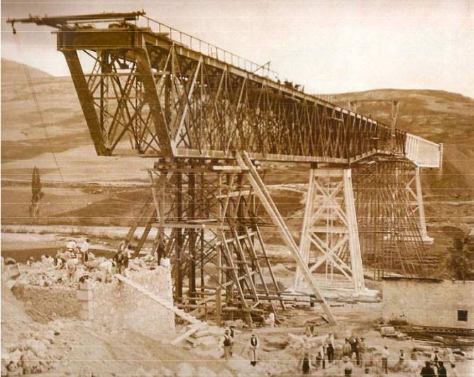 Puente de Gor a Durcal , foto tomada en 1906 por el ingeniero Gustavo Guillman, Archivo Familia Guillman