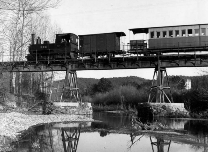 Puente sobre el rio Onyar ,marzo de 1969 , foto Manuel Maristany