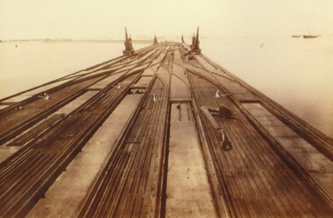 Puerto de Cádiz Muelle de Puntales, fondo APG