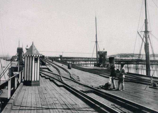 puerto-de-huelva-embarcadero-de-mineral-de-minas-de-rio-tinto-ano-1892-postal-comercial-hausen-y-menet