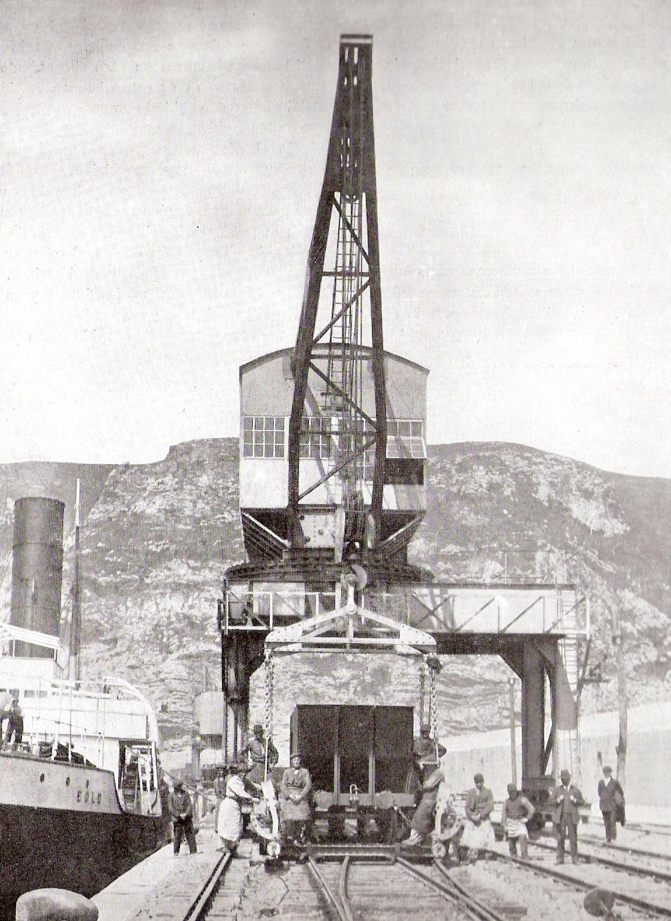 Puerto del Musel- Grua de pluma rogida y de portico- foto Babcock & Wilcox