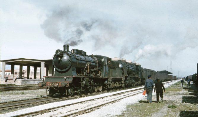 RENFE-240.4020-en Logroño , foto Peter Willen
