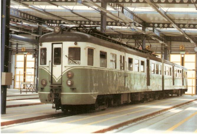 Suburbanos de Bilbao,MTU 9+RTU 9, Talleres de Sopelana, mayo 1990, foto Javier Vivanco