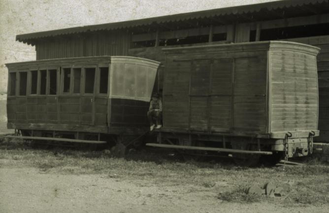 Sierra Alhamilla á Almeria, furgon y coche de dos ejes