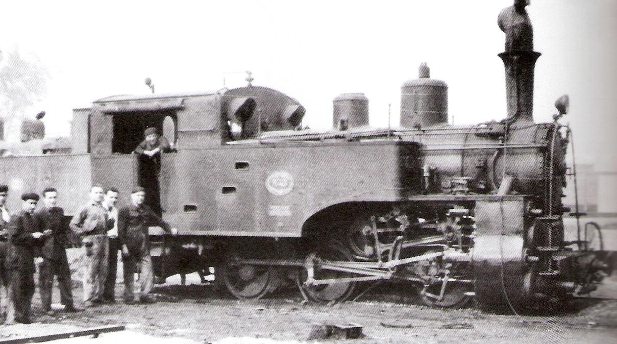 Suburbanos de Malaga, locomotora 030T, SLM, nº 43, en el deposito de Casa Misericordia, abril 1956, foto Trevor Rowe