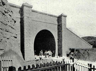 tunel-de-fayon-boca-de-salida-revista-adelante-ano-1911