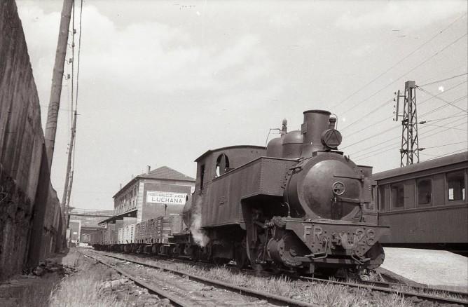 Ferrocarril de la Robla, Estación de Luchana, foto Trevor Rowe, fondo MVF