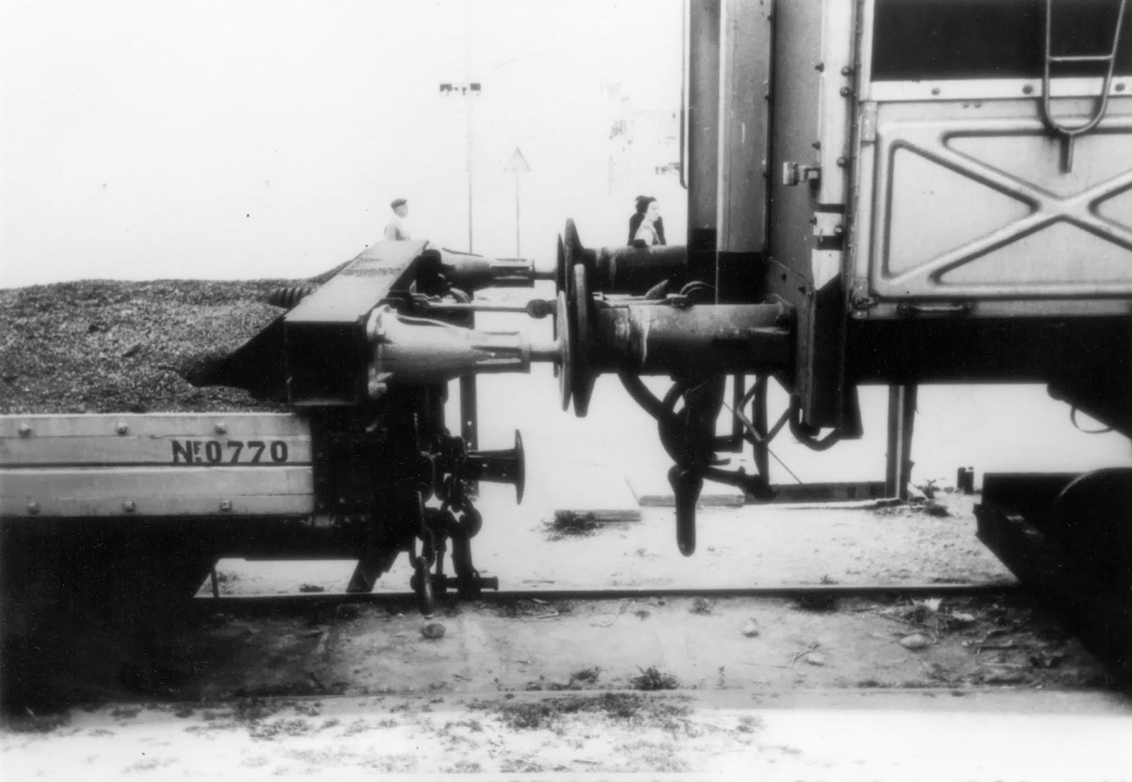 Tope de los mansos con los vagones de Transfesa sobre carretones, foto Vte Ferrer