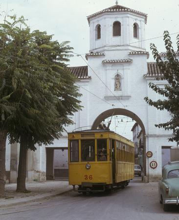 Tranvia de Granada en la Puerta de Loja