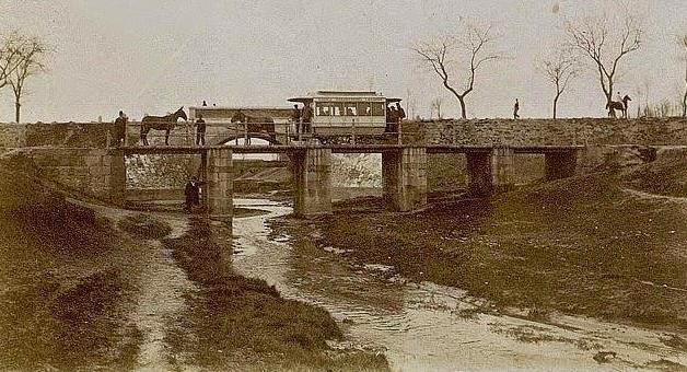 Tranvia de Leganes, cruce del Arroyo de Butarque, archivo Francisco Cecilia