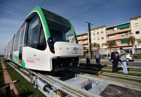 Tranvias de Granada , Metro ligero, fondo Treneando-Mikel Iturralde