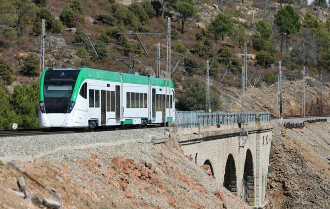Tren-Tram de la Bahia de Cádiz, en el Pimpollar en pruebas, 18.09.2012, fotografía Felipe Martinez