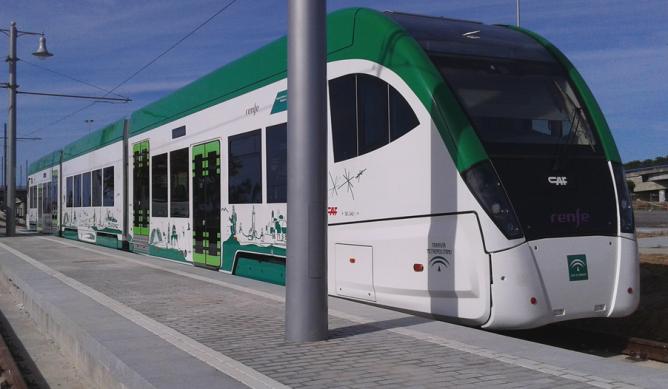 Tren-Tram de la bahia a Cádiz, Coche CAF -Urbos, foto Junta de Andalucía