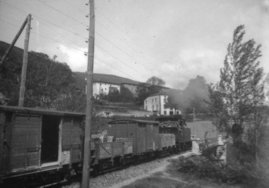 Tren de mercancias del Santander á Bilbao, Foto Nestor Basualdo