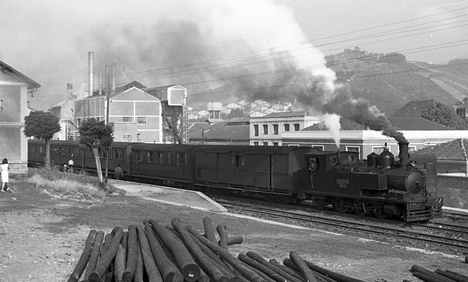Tren de viajeros de La Robla , Foto Harald Navé
