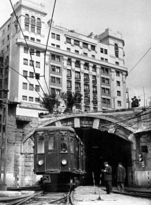 Tunel de enlace de Cocheras de Cuatro Caminos , con la red, año 1959.