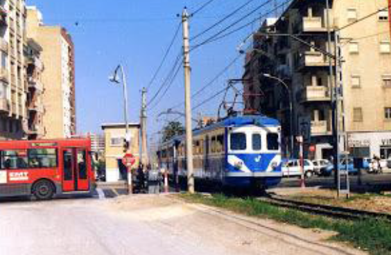 Unidad Serie 1000, en el paso a nivel de Primado Reig, el 16 de marzo de 1994, foto Esteban Gonzalo Rogel