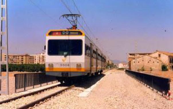 Unidad Serie 3500 cruxa el neuvo puente del Carraixet, el 06.08.1994, foto Esteban Gonzalo Rogel