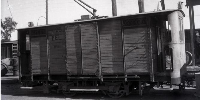 Unidad tractora del Ferrocarril Electrico de La Loma en Linars-Baeza. foto M. Salinas