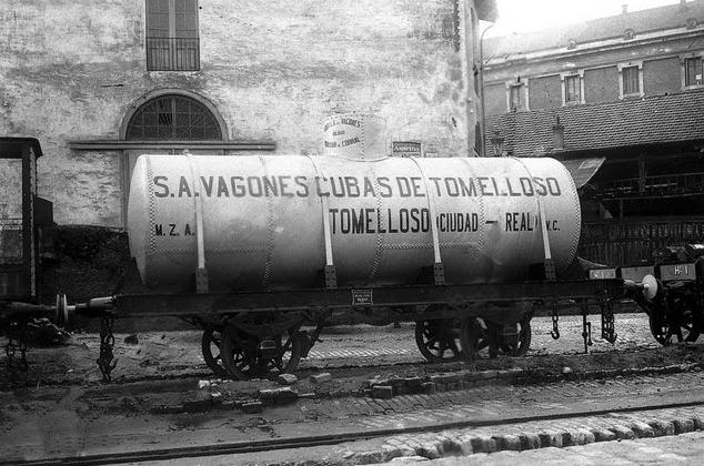 Vagon cuba Foudre enmla linea de Argamasilla decAlba á Tomelloso, Archivo AAFTA