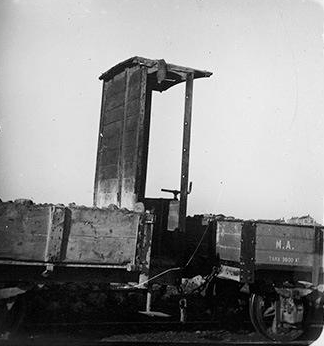 Vagon del Fc de Madrid a Arganda, año 1900, foto Augusto T. Arcimis, Fondo Fototeca del Patrimonio Historico