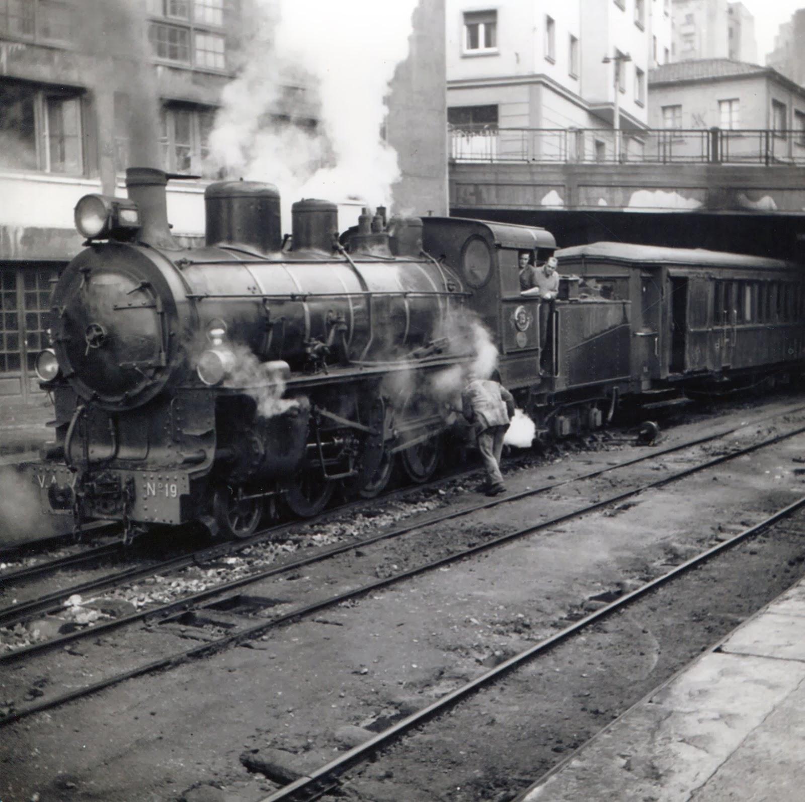 Vasco Asturiano ,Locomotora Engerth en Oviedo año 1961, Foto Laurent G. Marsahl