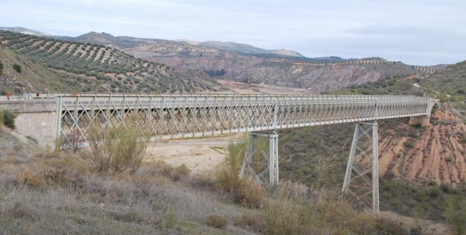Viaducto del Desgarradero, de 199 ml, foto archivo E. López