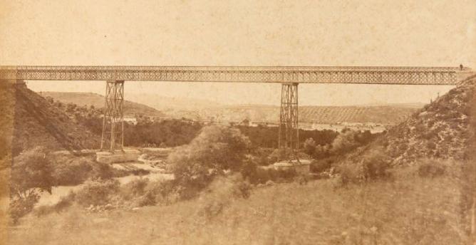 viaducto-sobre-el-genil-linea-de-cordoba-a-malaga-1867-archivo-lucio-del-valle
