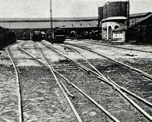+ Vias de entrada al deposito de locomotoras de Valladolid, revista Adelante , año 1911