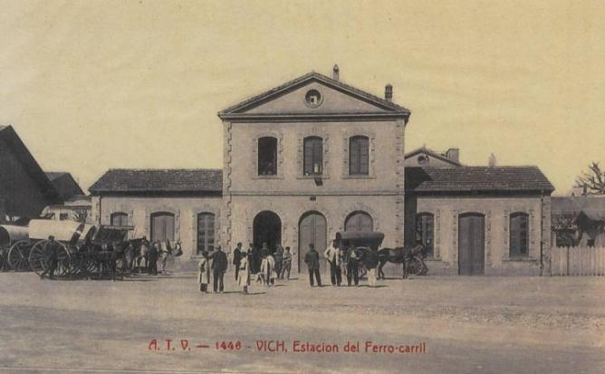 Vic , estacion del Ferrocarril , postal comercial