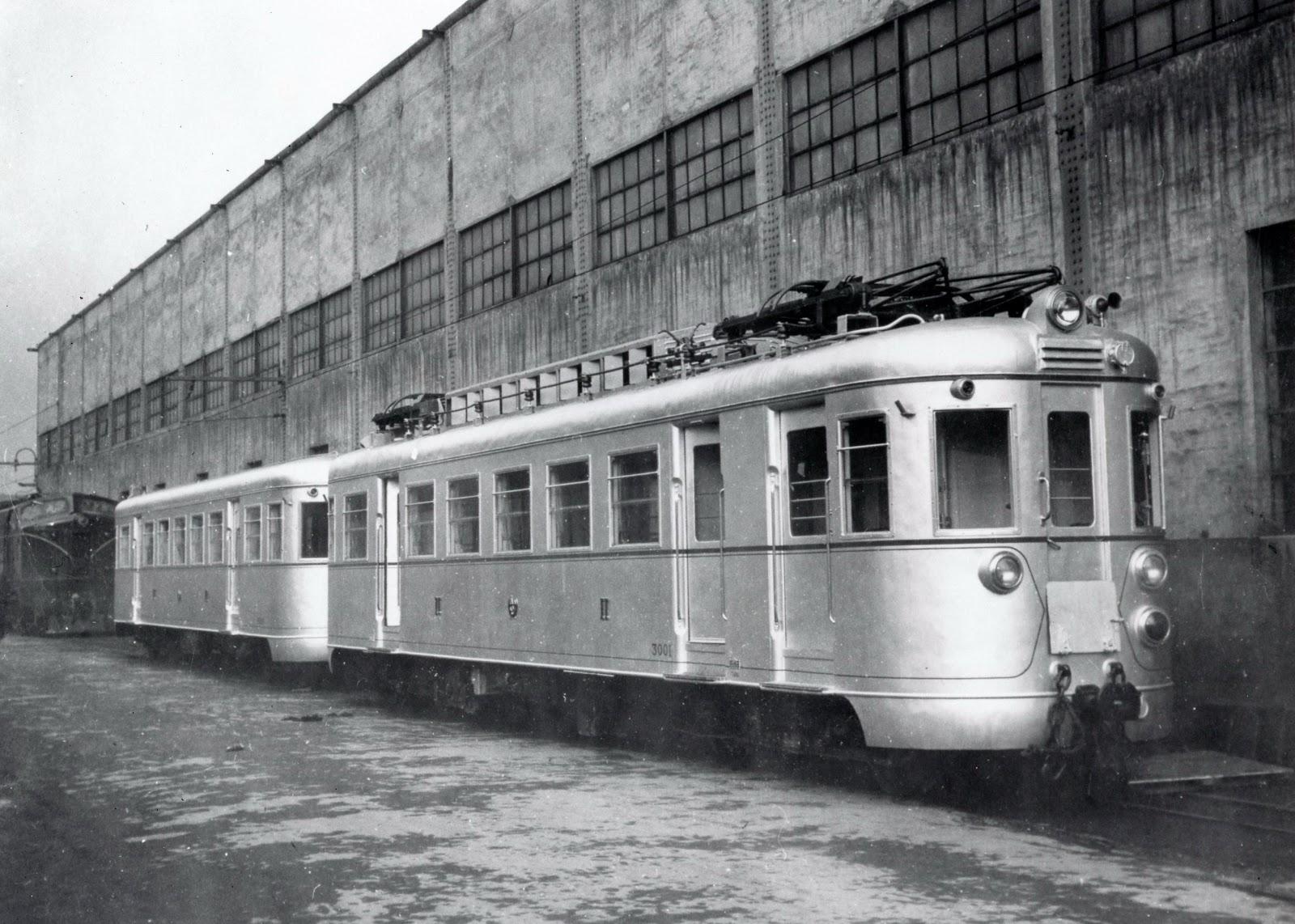 Foto de fábrica de los automotores SECN (Naval), fondo Juanjo Olaizola