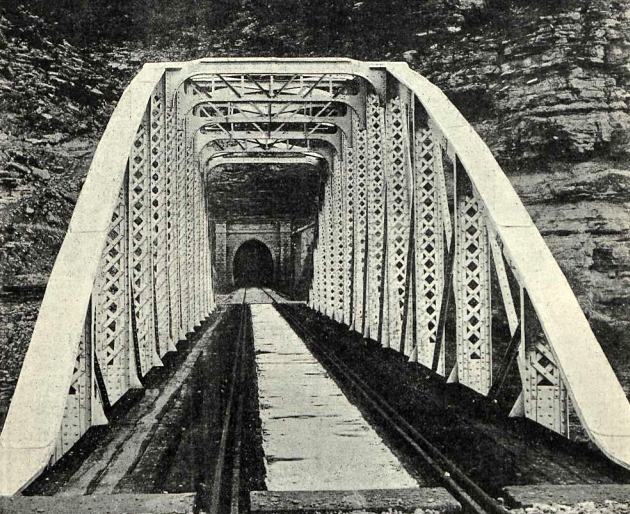 ferrocarril-de-samper-a-reus-puente-sobre-la-val-de-batea-revista-adelante-1911