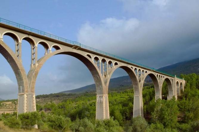 Viaducto sobre rio Polop Proyecto de Jose Roselló Martí