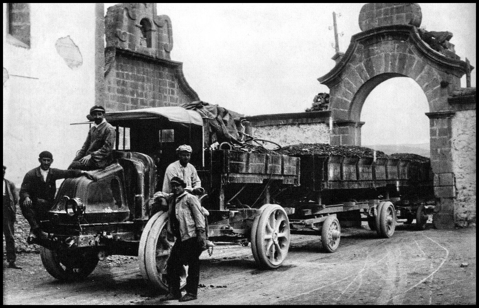 Auto-tren en la Vallivana, Fondo : José Sánchez