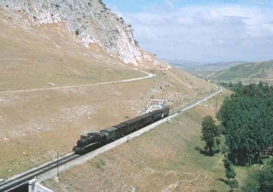 Tren circulando en Antequera