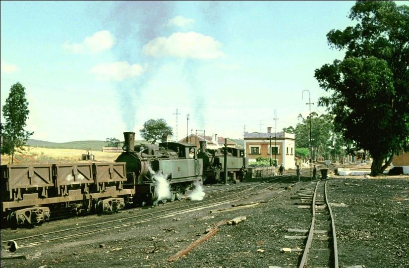 Locomotoras nº 32 y 52 en Empalme