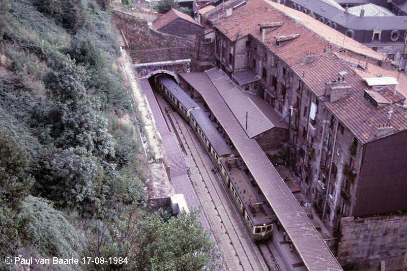 Bilbao , apeadero de San Ignacio,