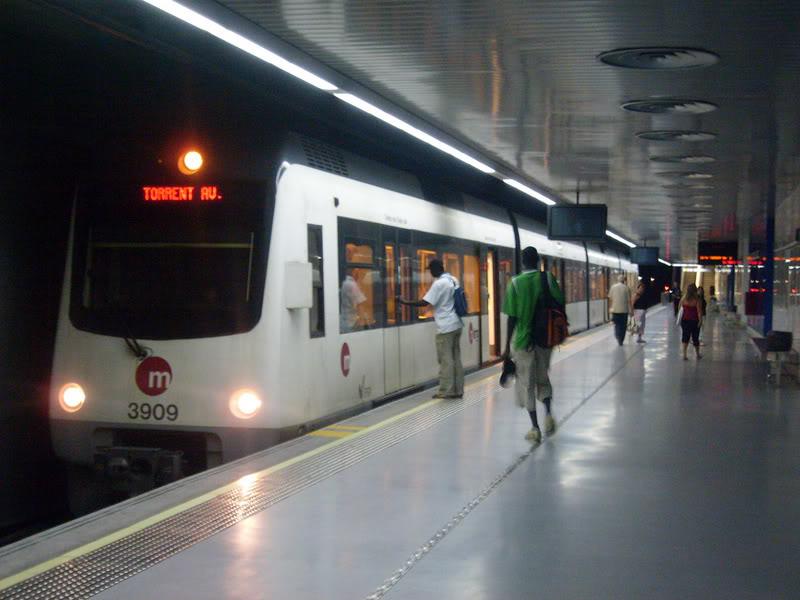 Metro de Valencia- linea 5 Maritim-Torrent