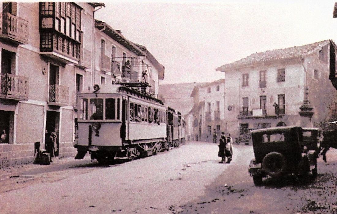 Rama atravesando Urraul-Bajo (Artieda) fondo: