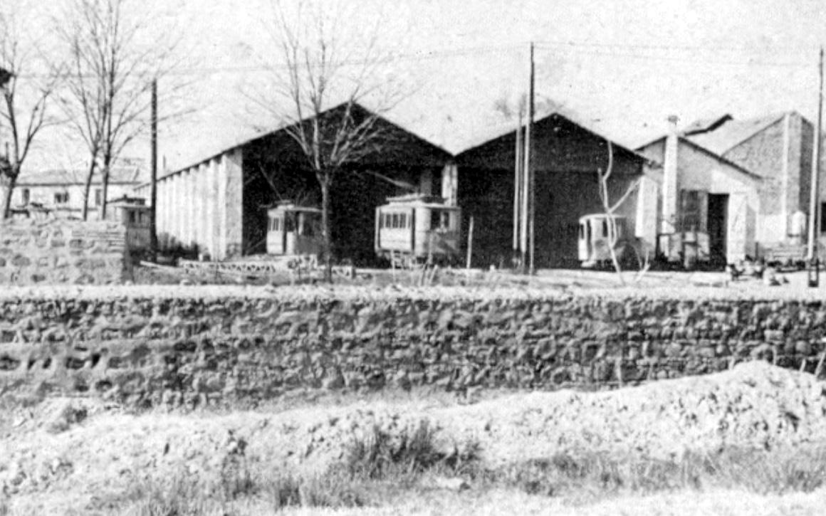 Cocheras de tranvias de Linares en 1942,