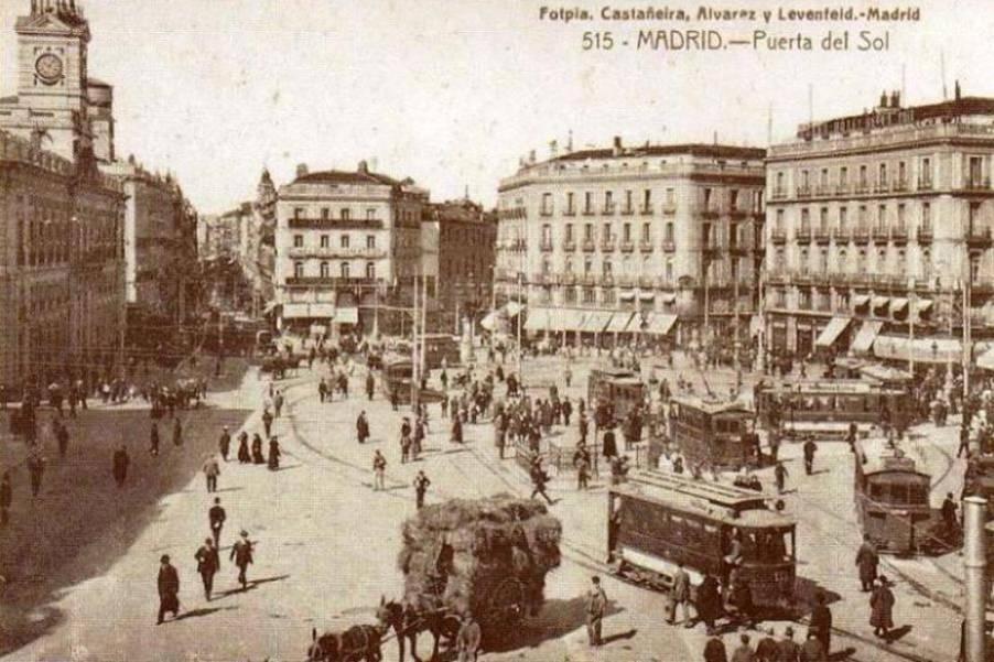 Tranvias de Madrid , en la Puerta del Sol