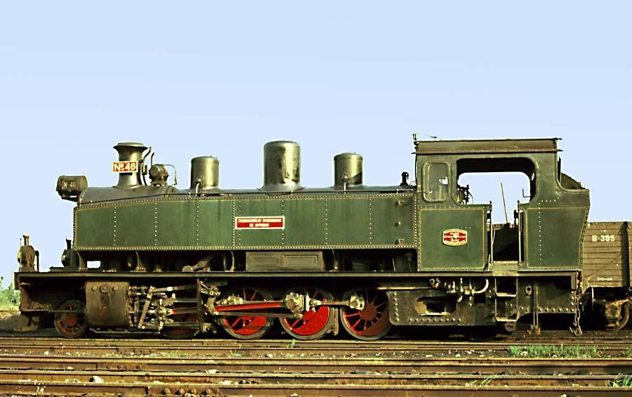 Deposito de Oviedo, año 1960, locomotora B & W 141T Foto © John Carter