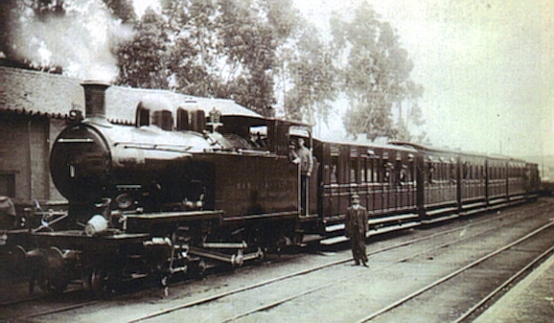 """Tren con la locomotora """"San Cornelio"""""""