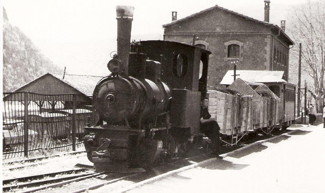 Tren en la Pobla de Lillet, año 1948, archivo Cuyas