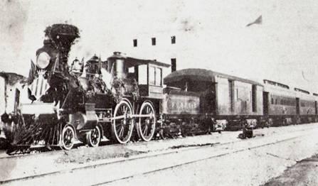 Tren que inauguró la línea